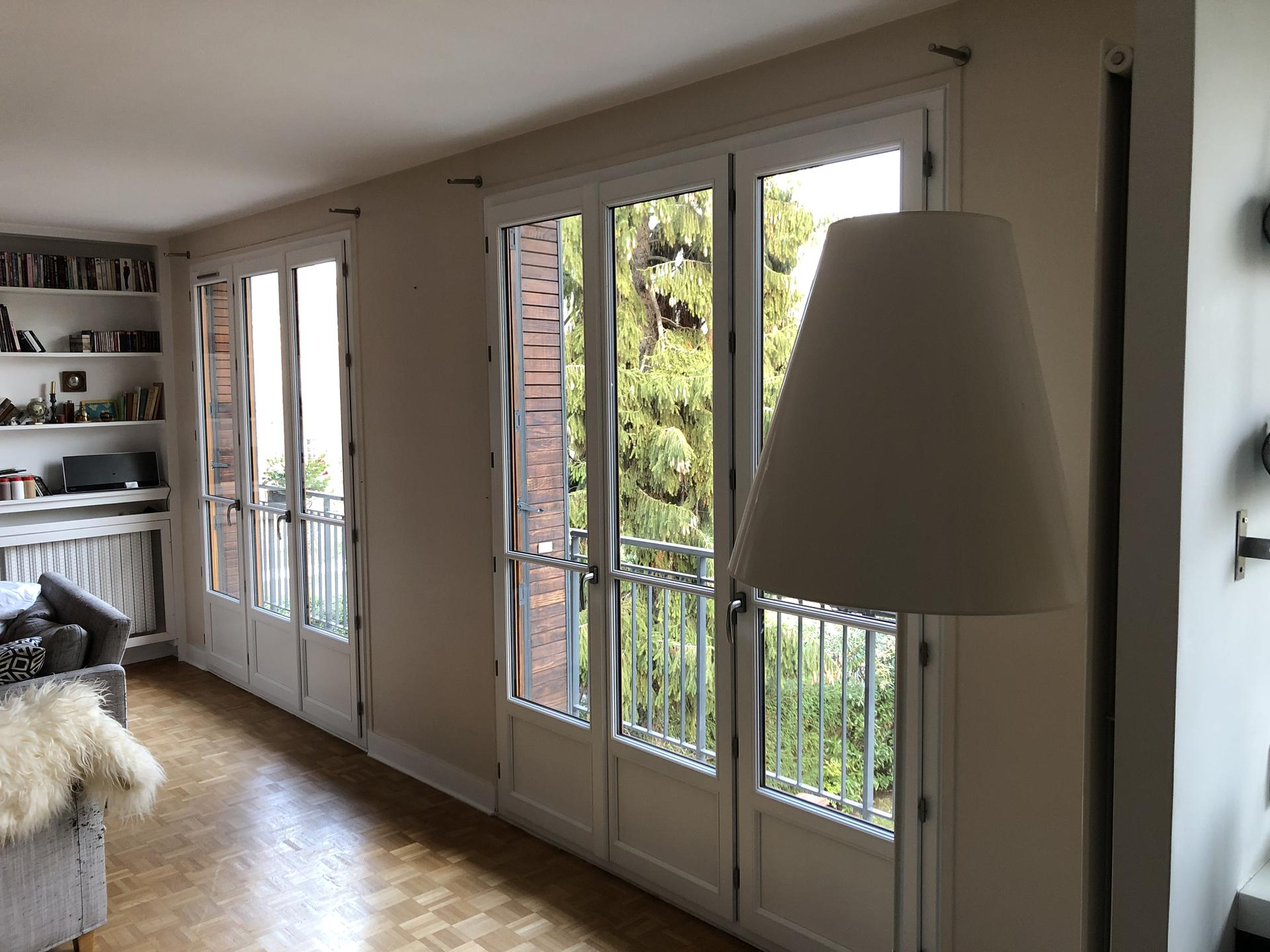 Avvs - La Porte A Côté vitrerie (pose), vitrier