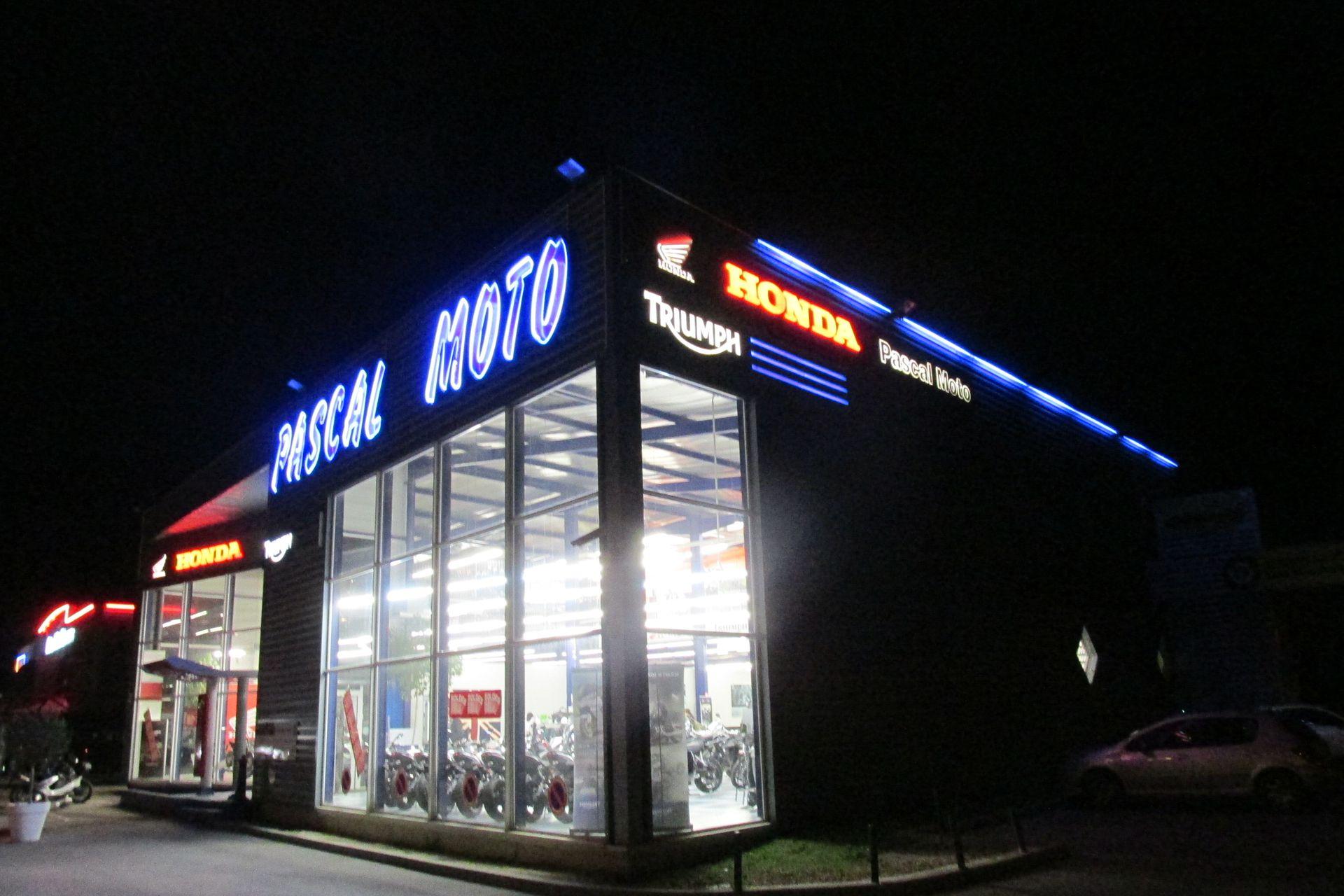 100 Pour Cent Moto moto, scooter et vélo (commerce et réparation)