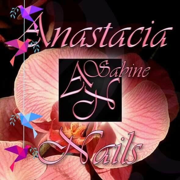 Anastacia Nails manucure