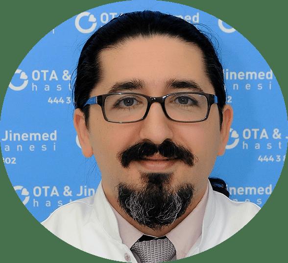 Op. Dr. Uğur  Şahin Fotoğraf