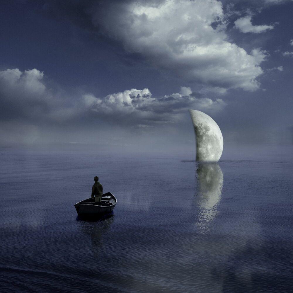 Fotografie Moonset - ALASTAIR MAGNALDO - Bildermalerei