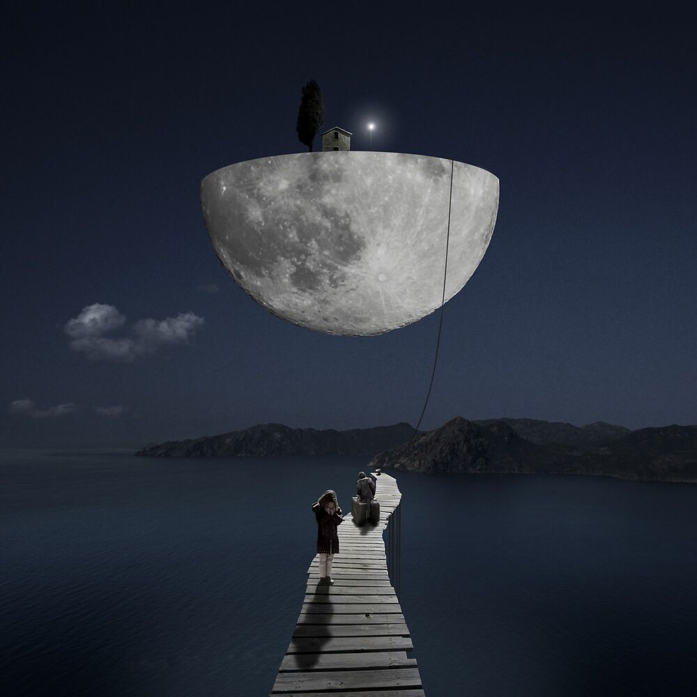 Photograph The Dark Side of the Moon - ALASTAIR MAGNALDO - Picture painting