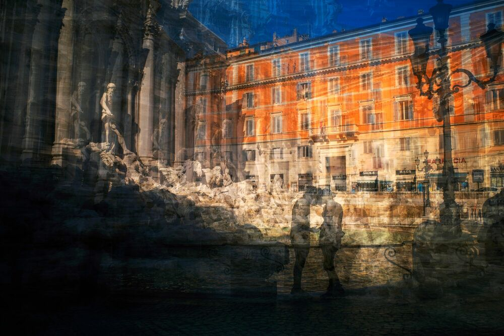 Photograph Trevi Lovers - Alessio Trerotoli - Picture painting
