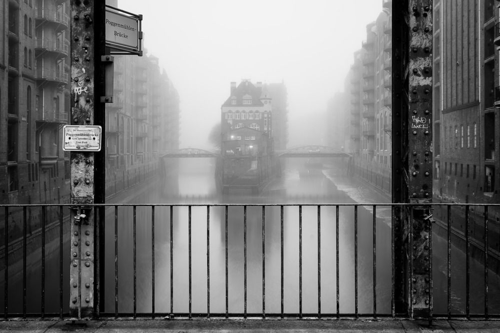 Photographie WASSERSCHLOSS - ALEXANDER SCHOENBERG - Tableau photo