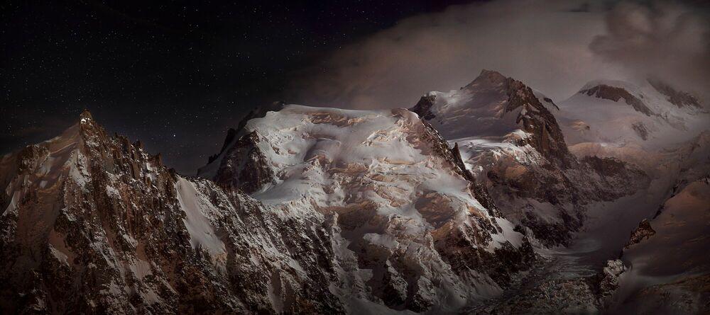 Photograph Nocturne au massif du Mont-Blanc - ALEXANDRE DESCHAUMES - Picture painting