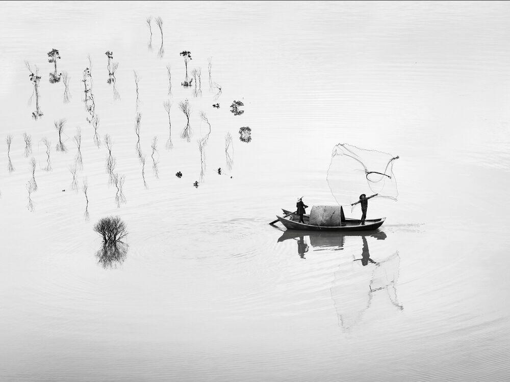 Fotografie FISHING IN THE MANGROVE - ALMA  - Bildermalerei