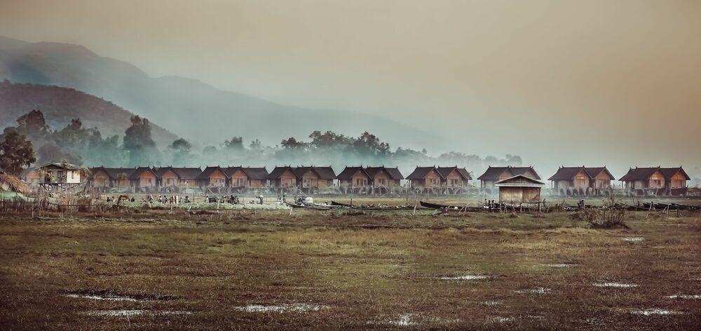 Fotografia WATER VILLAGE ON INLE LAKE MYANMAR - ARTHUR FARACHE SAUVEGRAIN - Pittura di immagini
