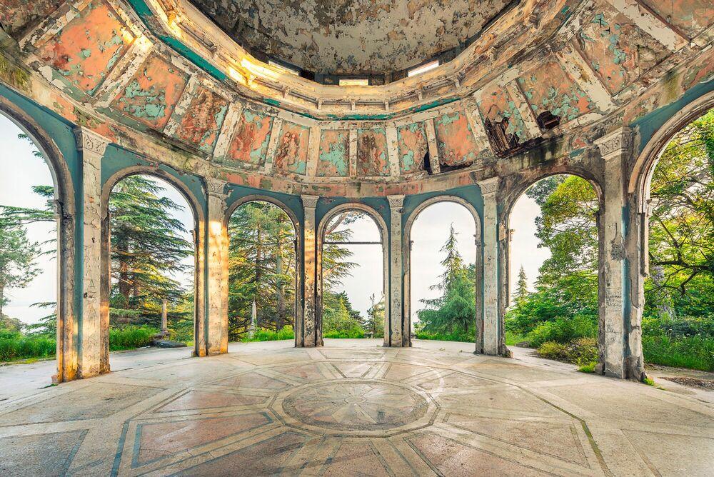 Fotografie RESTAURANT PANORAMIQUE - ABKHAZIA - AURELIEN VILLETTE - Bildermalerei