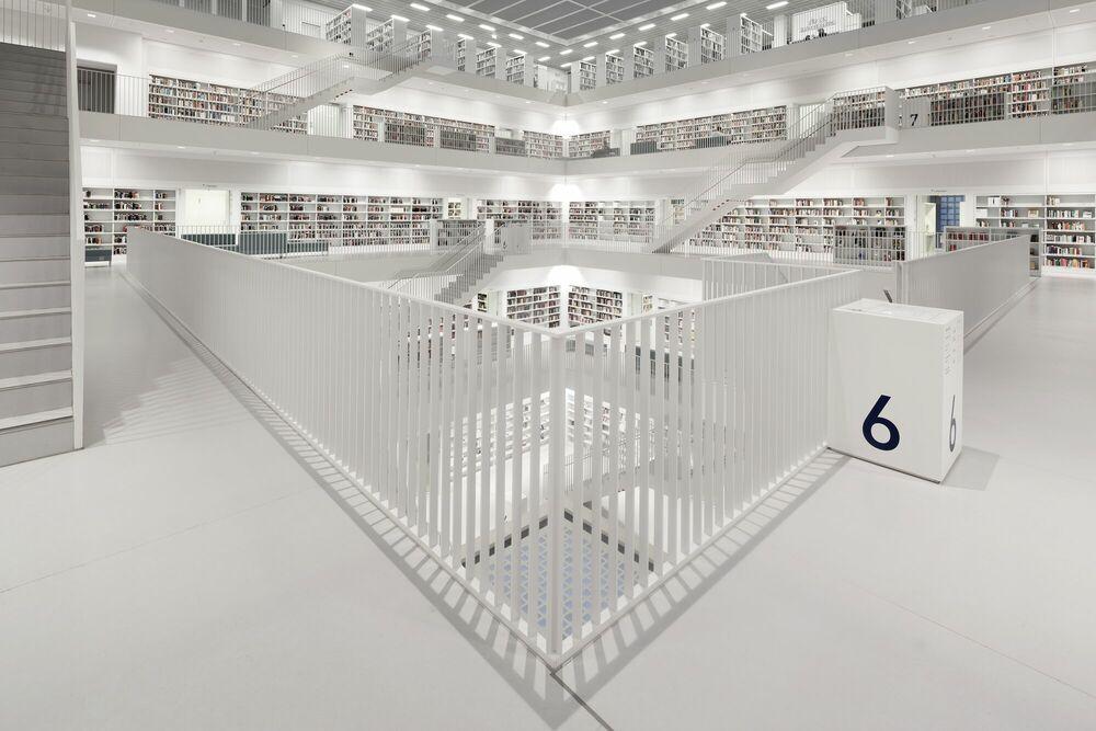 Fotografia Bibliothek Stuttgart Floor 6 - BERNHARD HARTMANN - Pittura di immagini