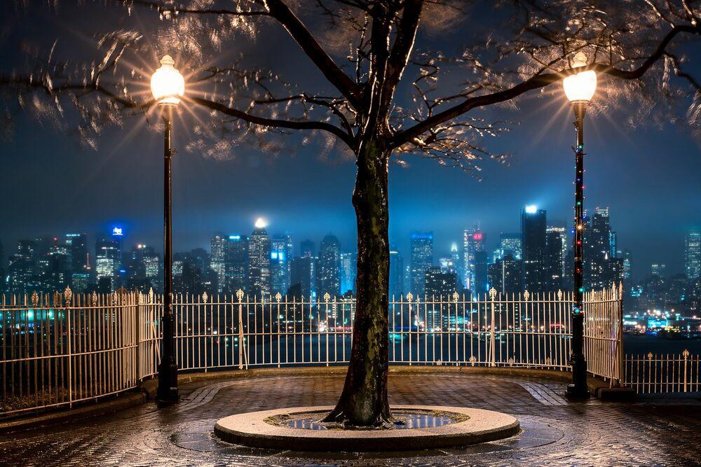 Fotografia THUNDERSTORM NIGHT   NEW YORK CITY - BERNHARD HARTMANN - Pittura di immagini