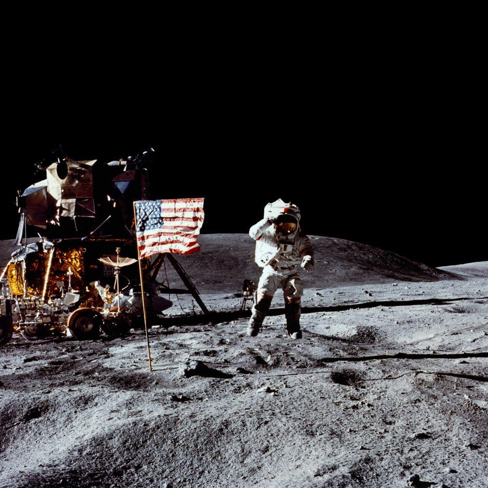 Photographie John Young, Apollo 16 - CHARLES DUKE - Tableau photo