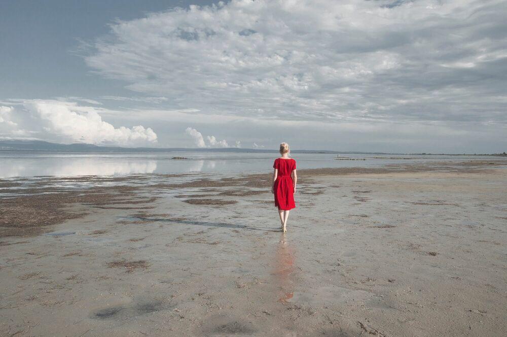 Fotografie THE RED DRESS - CRISTINA CORAL - Bildermalerei