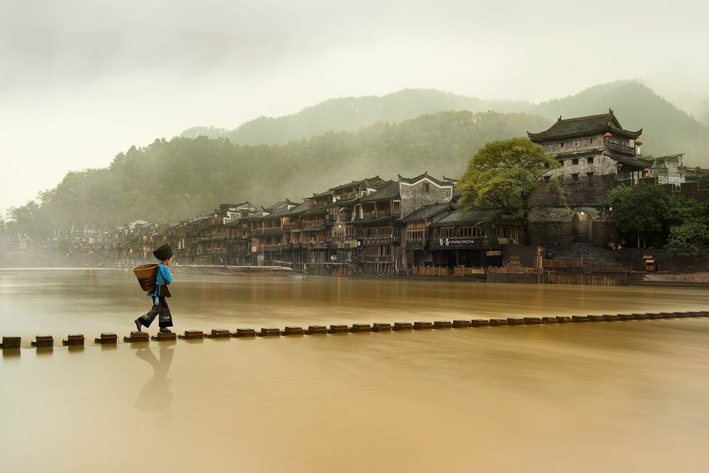 Fotografie Traditional Chinese Town - DANIEL METZ - Bildermalerei