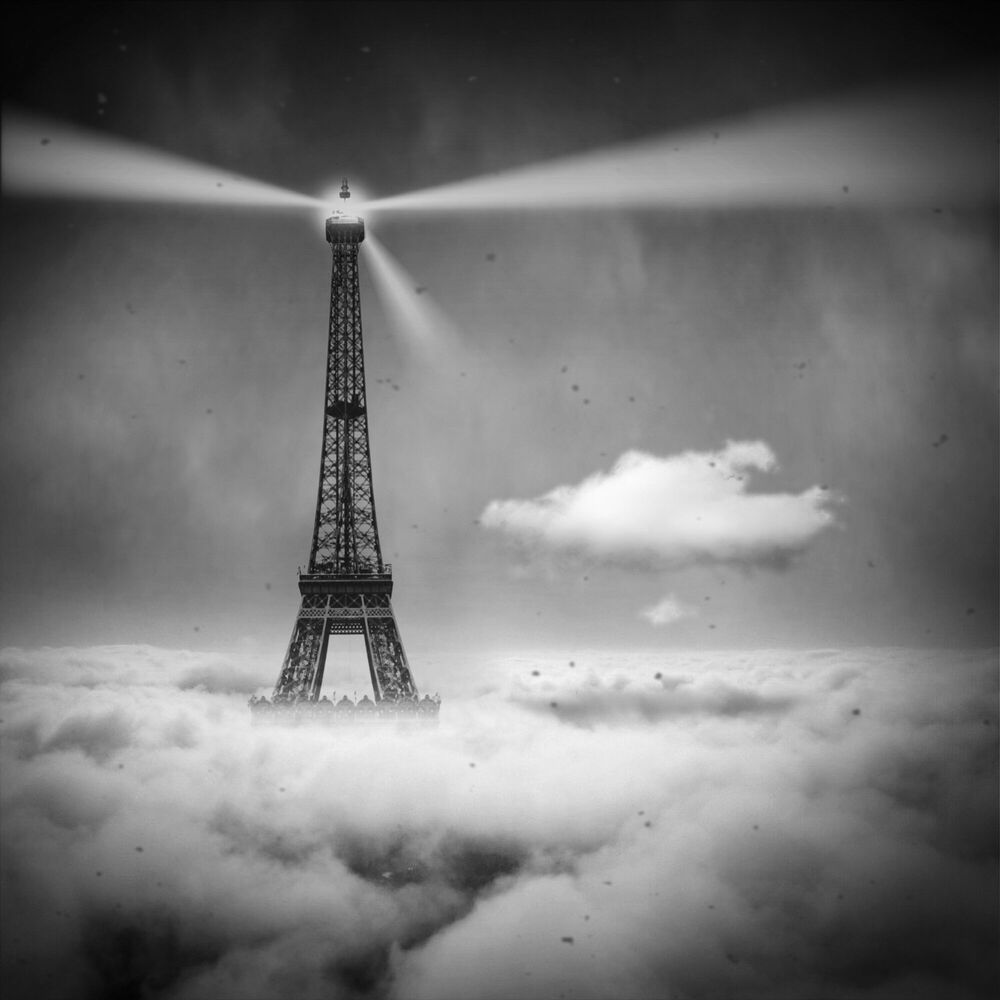 Fotografie DREAMSPACE RELOADED 47 - EIFFEL TOWER - DENIS OLIVIER - Bildermalerei