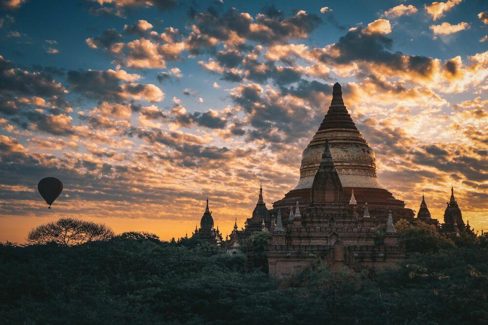 Fotografia MYANMAR AURORA - FLORIAN DELALEE - Pittura di immagini