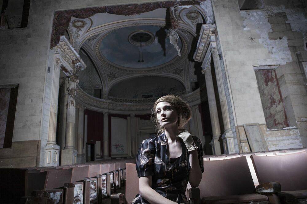Fotografia The Lonely Room I -  FORMENTO+FORMENTO - Pittura di immagini