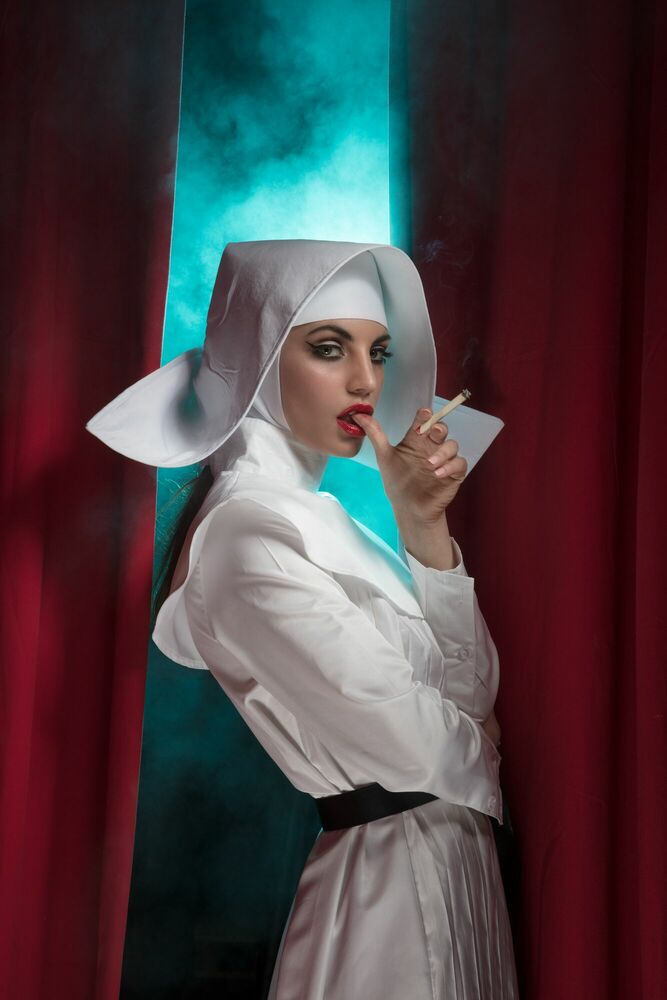 Photographie THE RED NUN -  FORMENTO+FORMENTO - Tableau photo