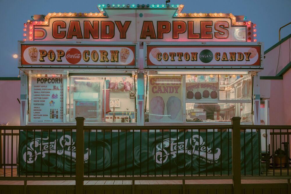 Photograph CANDY APPLES ATLANTIC CITY - FRANCK BOHBOT STUDIO - Picture painting