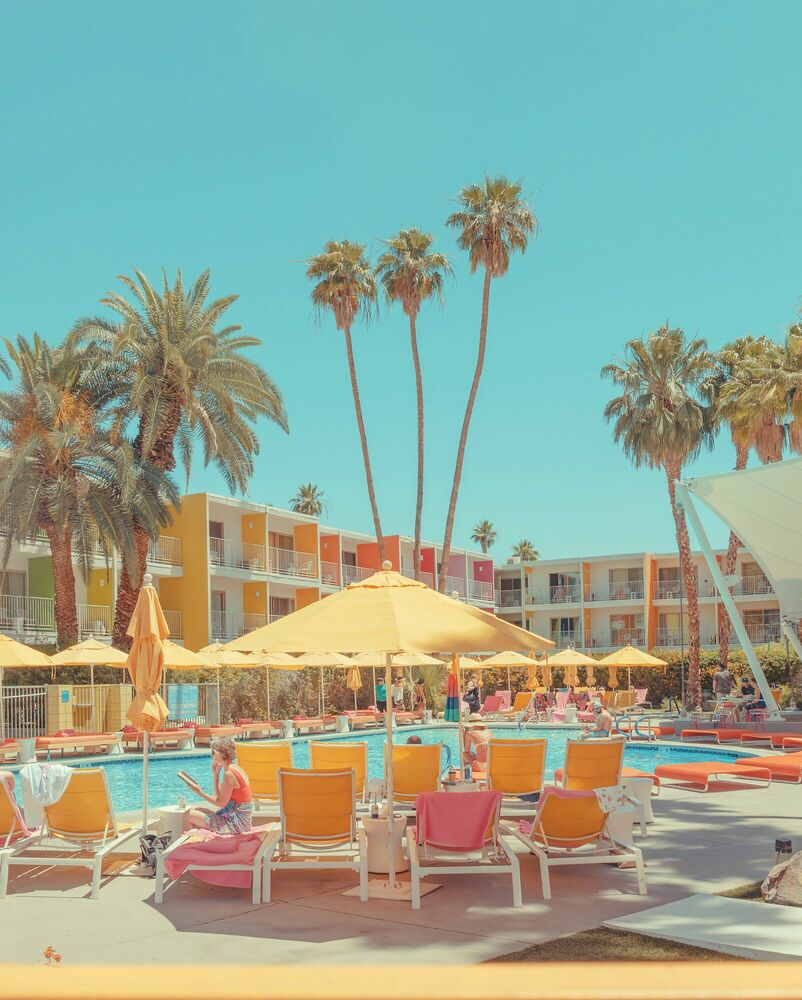 Photograph POOLSIDE READS - FRANCK BOHBOT STUDIO - Picture painting