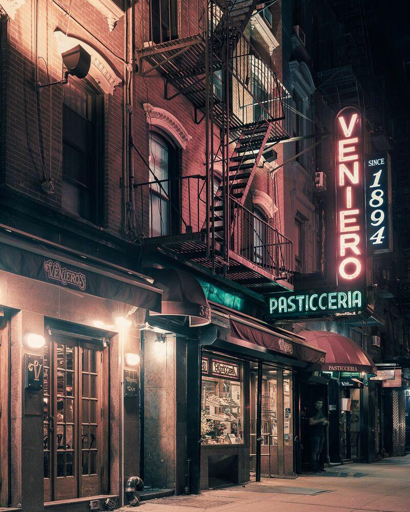 Photograph Veniero's Pasticceria, NYC - FRANCK BOHBOT STUDIO - Picture painting