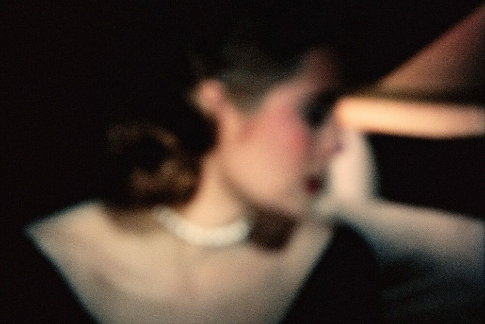 Photograph Grace Kelly la main au collet - FRANÇOIS FONTAINE - Picture painting