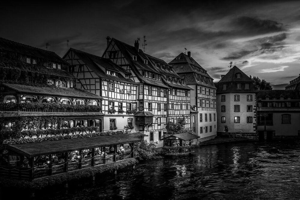 Photograph Strasbourg sunset - Hannes Koenig  - Picture painting
