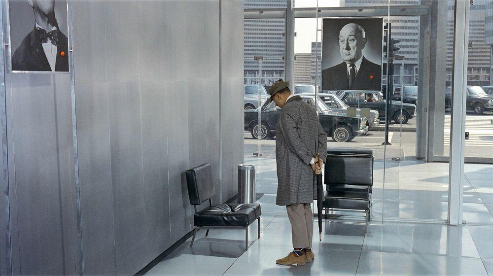 Photographie M. Hulot dans la salle d'attente - JACQUES TATI - Tableau photo