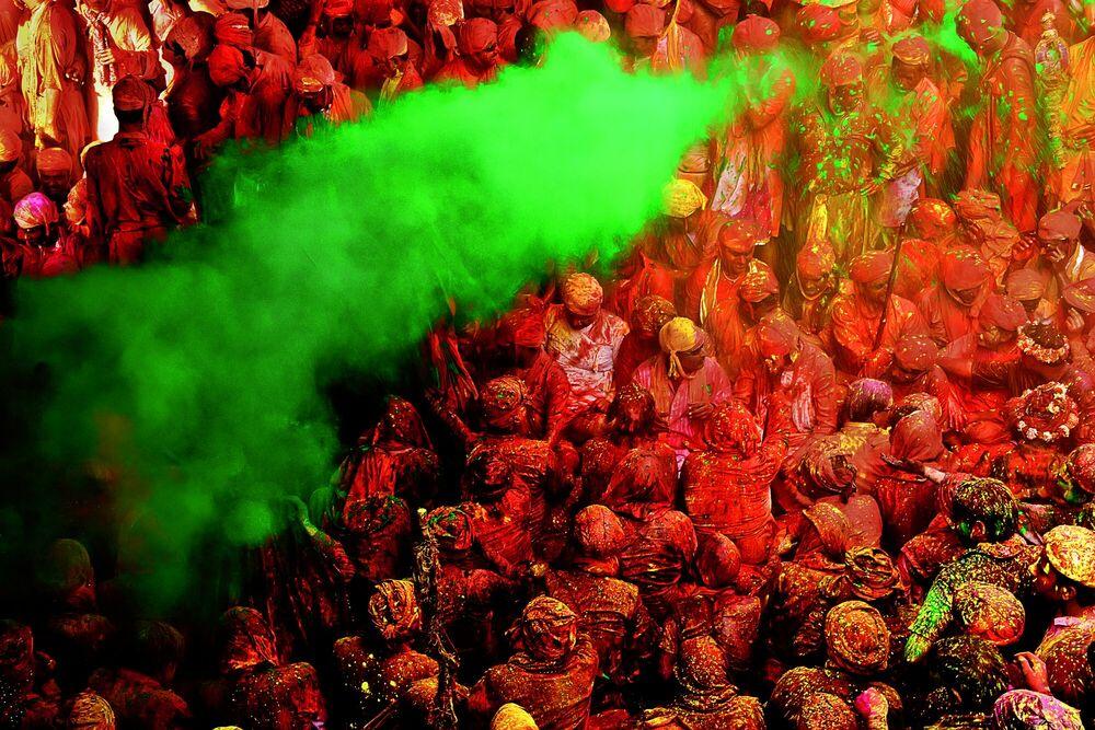 Photograph Colors of Holi - JAGJIT SINGH - Picture painting