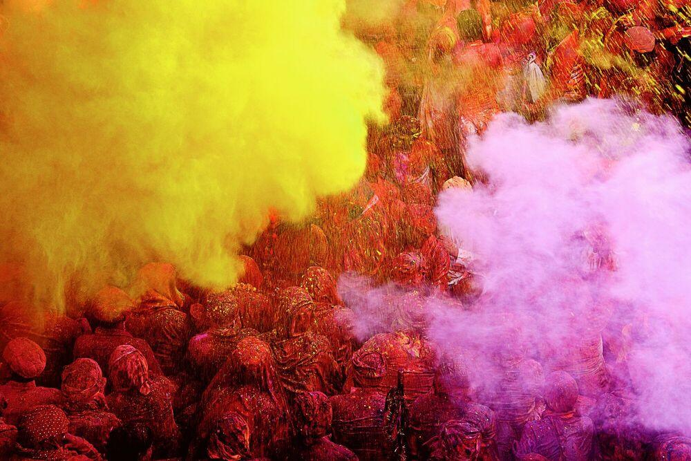 Fotografie Pink & Yellow Shower - JAGJIT SINGH - Bildermalerei