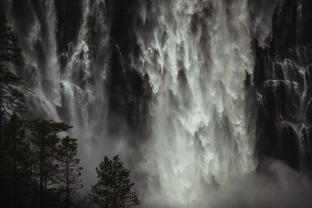 Photograph DARK FALLS-NORWAY - JAN ERIK WAIDER - Picture painting