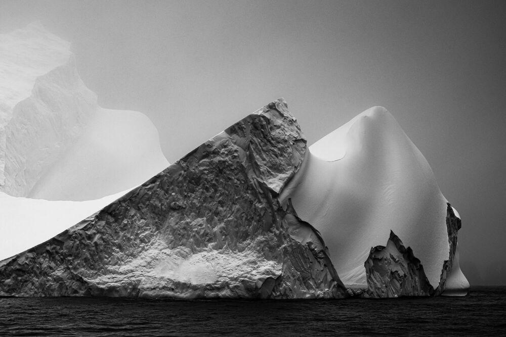 Fotografia ICE ON BLACK-ANTARCTICA - JAN ERIK WAIDER - Pittura di immagini