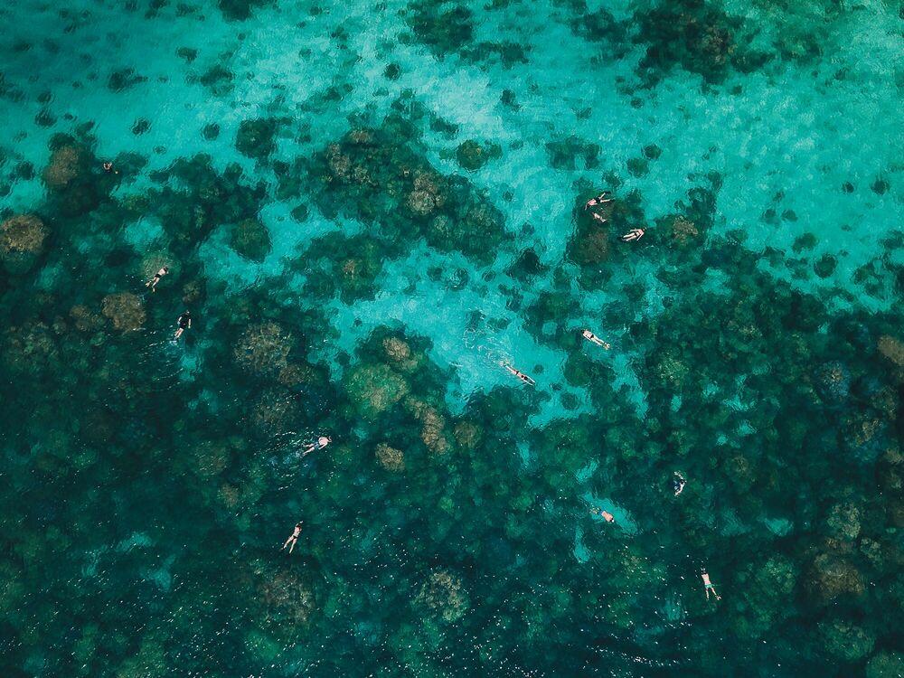 Fotografie Andaman Sea Snorkelers - Javi Lorbada - Bildermalerei