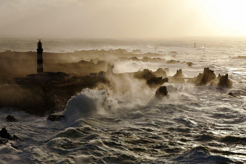 Fotografia Le phare du Créac'h - JEAN GUICHARD - Pittura di immagini
