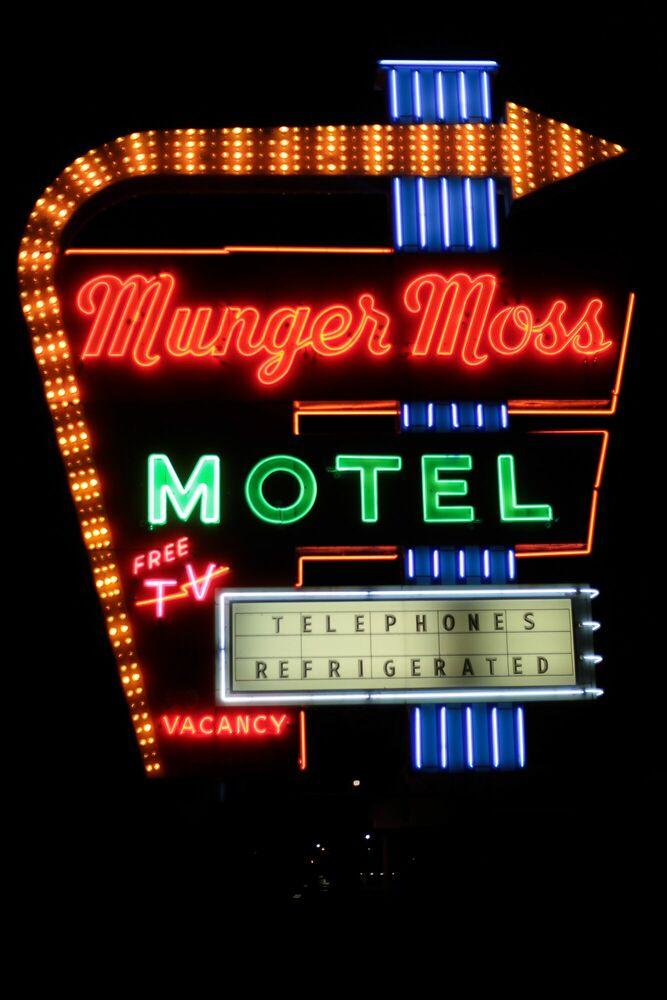Kunstfoto Munger moss motel - JEAN-PHILIPPE CARRE-MATTEI - Foto schilderij