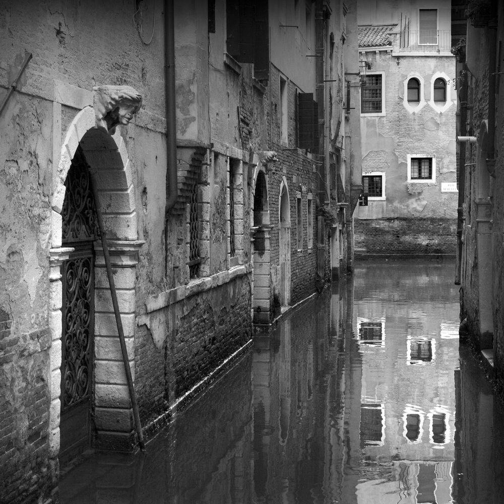 Fotografie Canal de Venise - JONATHAN CHRITCHLEY - Bildermalerei
