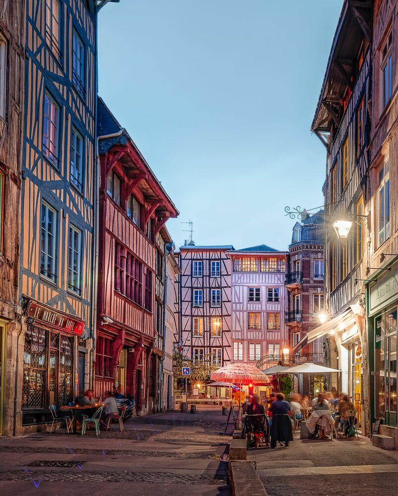 Photograph Une nuit rue Eau de Robec - JULES VALENTIN - Picture painting