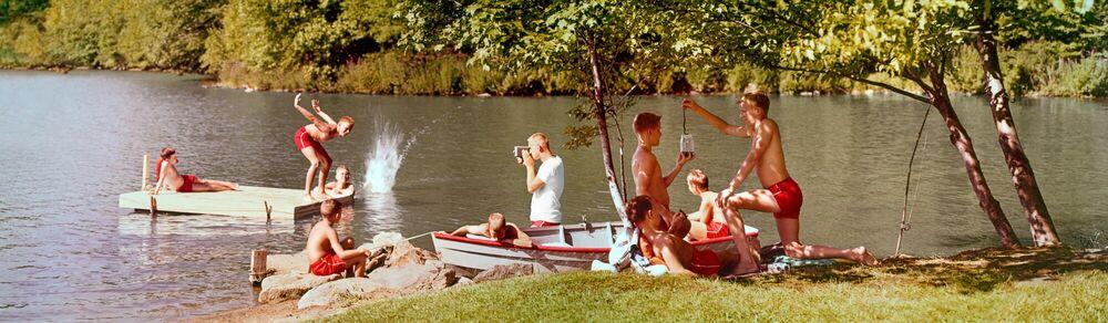 Photographie BOYS CAMP 1963 - KODAK COLORAMA DISPLAY COLLECTION - J FREDERICK SMITH - Tableau photo