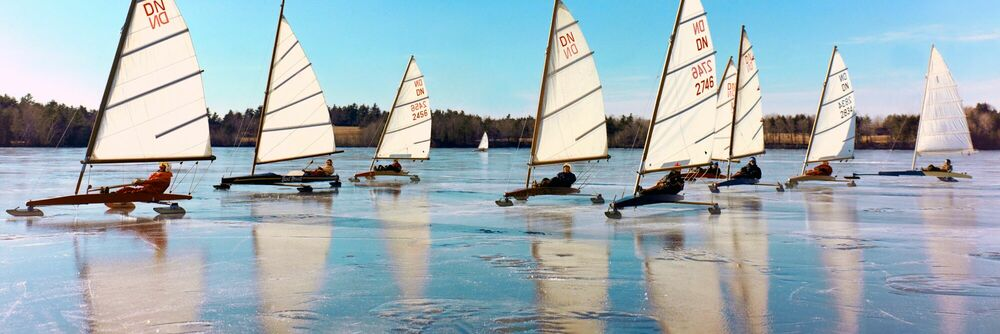 Photographie Ice boats, 1975 - KODAK COLORAMA DISPLAY COLLECTION - OZZIE SWEET - Tableau photo