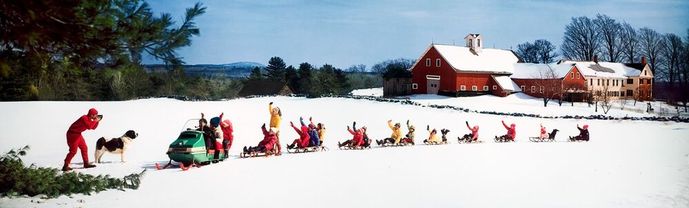 Photographie SNOWMOBILE AND SLEDS 1969 - KODAK COLORAMA DISPLAY COLLECTION - OZZIE SWEET - Tableau photo