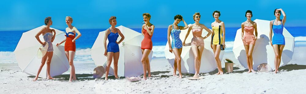 Photograph FASHIONS IN CHROMSPUN SWIMSUITS 1954 - KODAK COLORAMA DISPLAY COLLECTION - PETER GALES - Picture painting