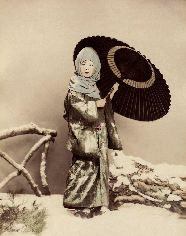 Kunstfoto Femme japonaise en costume d'hiver - KUSAKABE KIMBEI - Foto schilderij