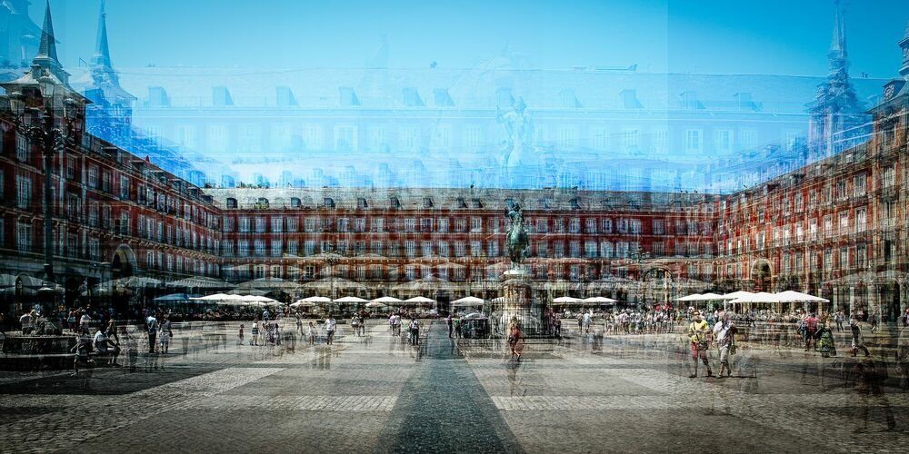 Fotografia Madrid Plaza Mayor B - LAURENT DEQUICK - Pittura di immagini