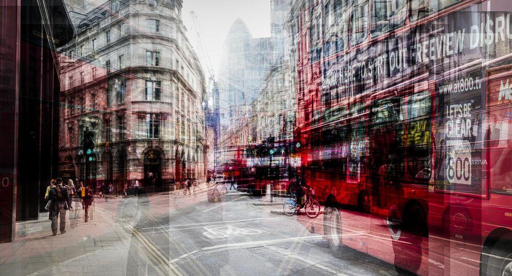 Fotografie Red Traffic - LAURENT DEQUICK - Bildermalerei