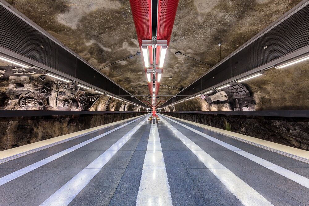 Photograph T-BANA - DUVBO STATION - LAURENT DEQUICK - Picture painting