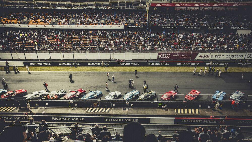 Photograph Le Mans classique IV - LAURENT NIVALLE - Picture painting