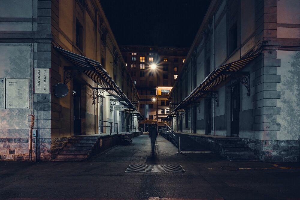 Fotografie ALONE IN THE DARK -  LDKPHOTO - Bildermalerei
