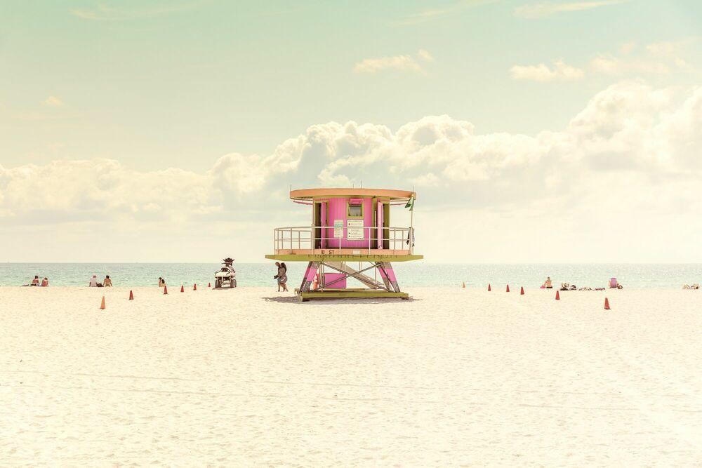 Miami Beach Liuard Stand Ii
