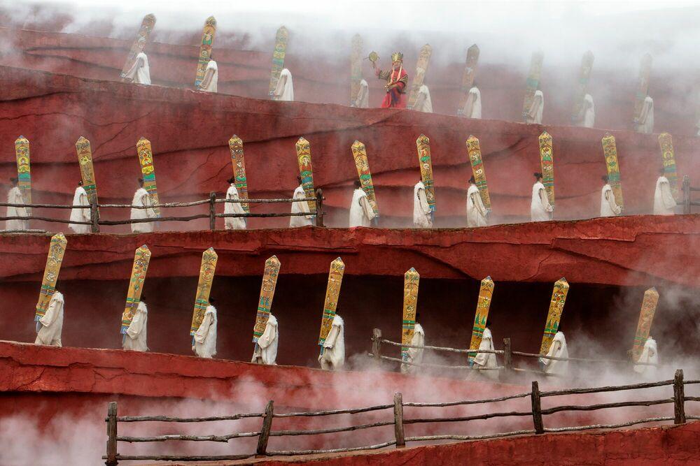 Photographie Red Mountain Ritual - Leyla Emektar - Tableau photo