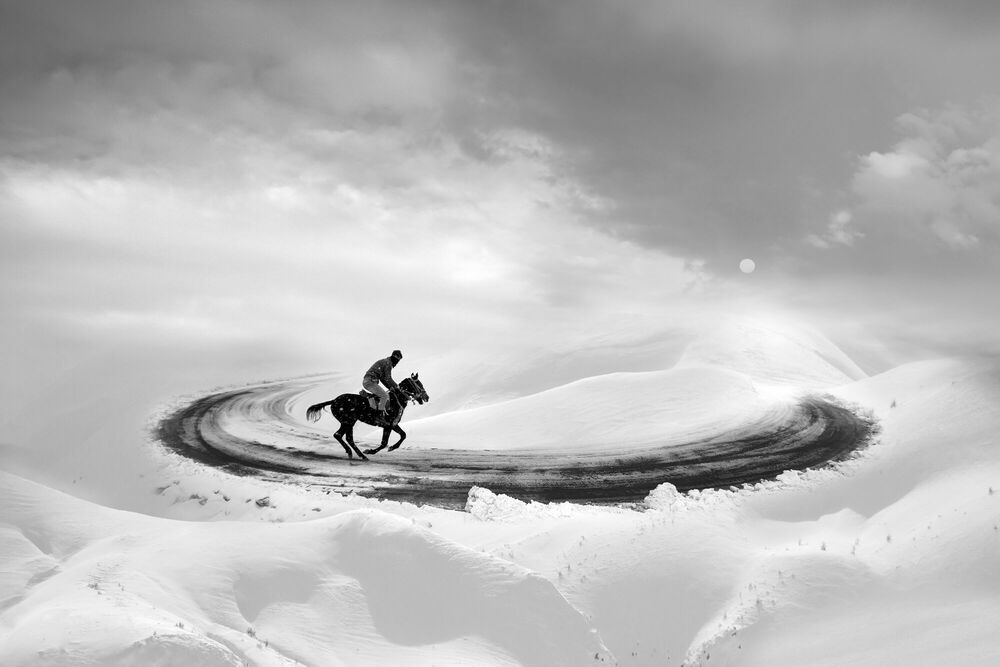 Photograph White Infinity Racing - Leyla Emektar - Picture painting