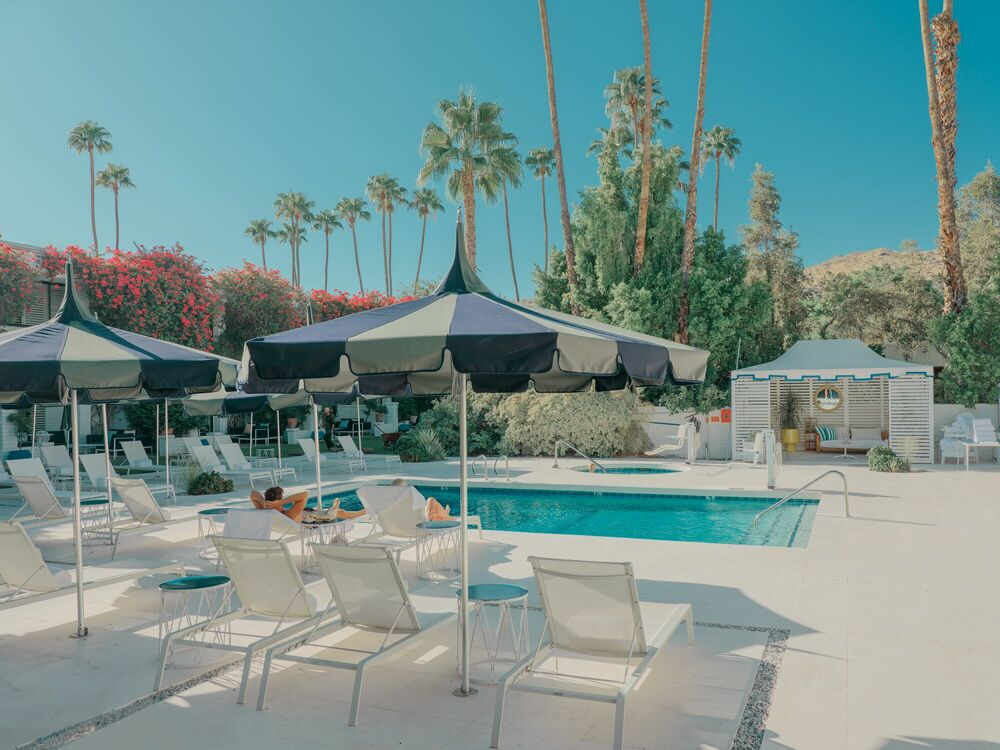 Photographie LUXE HOTEL POOL PALM SPRINGS - LUDWIG FAVRE - Tableau photo